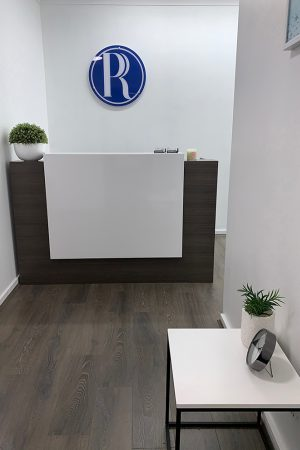 Image of reception desk at P.Ribet Taxation & Accounting office